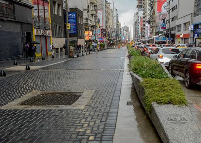 Adoquinado para peatonalización de Avenida Corrientes de la Ciudad de Buenos Aires